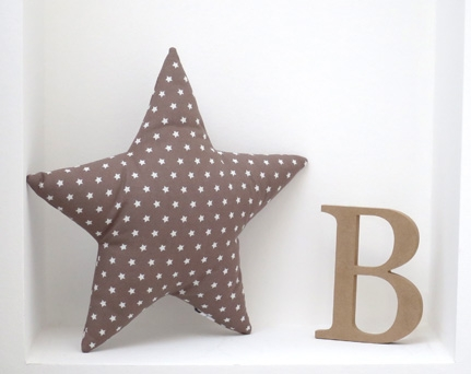 Cuddle star - star shaped pillow taupe with stars