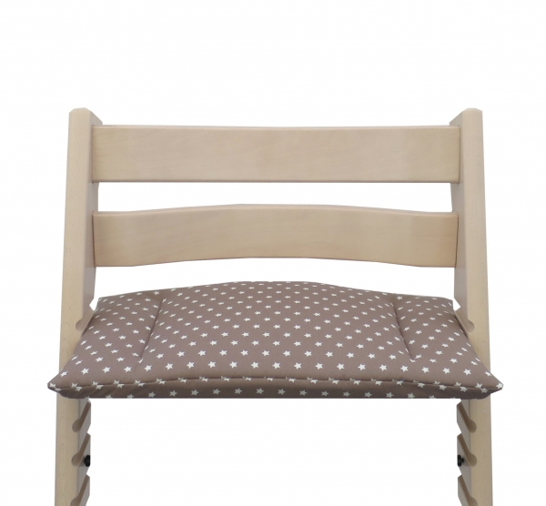 It´s the perfect cushion for the Stokke Tripp Trapp chair - taupe with stars